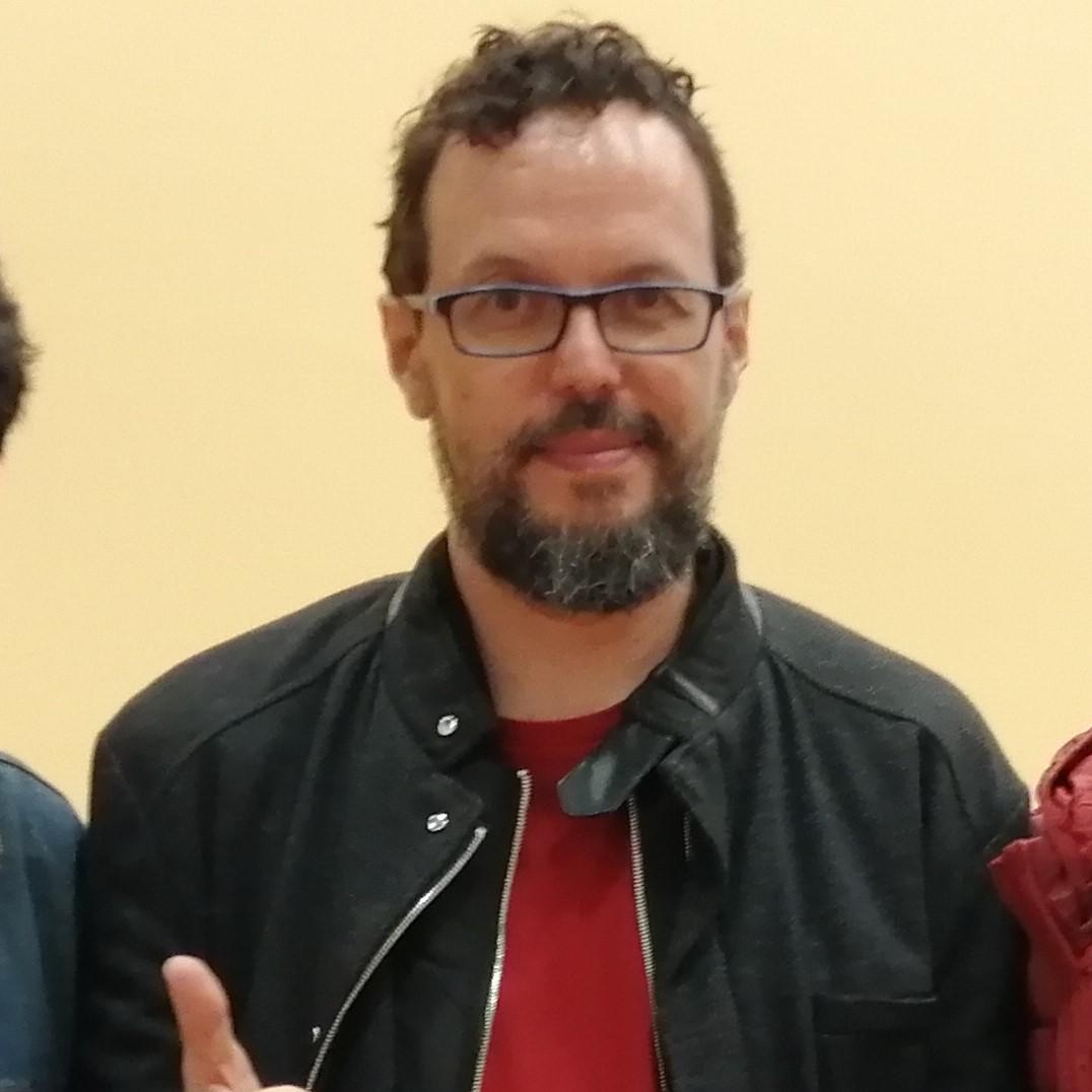 Testimonio de Félix Riaño sobre las revistas y cancioneros en los años 90