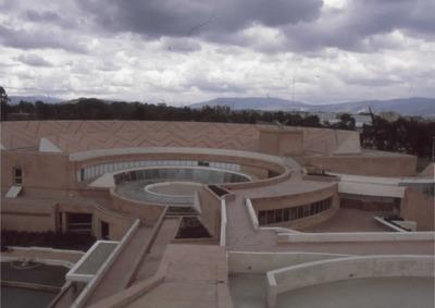 Vista de las terrazas de la Biblioteca Pública Virgilio Barco