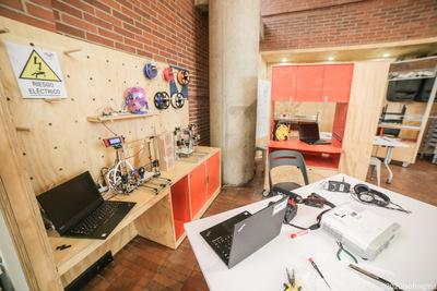 Impresora 3D Sala LabCo, espacio abierto experimental