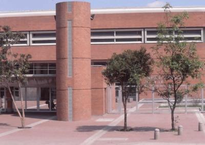 Proyección en render del área exterior de la Biblioteca Pública El Tunal Gabriel García Márquez. Fotografía 4
