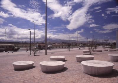 Vía de acceso a la Biblioteca Pública El Tintal Manuel Zapata Olivella<br /><br />